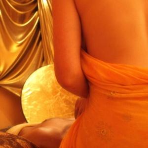 bei massage gekommen tantra sofa